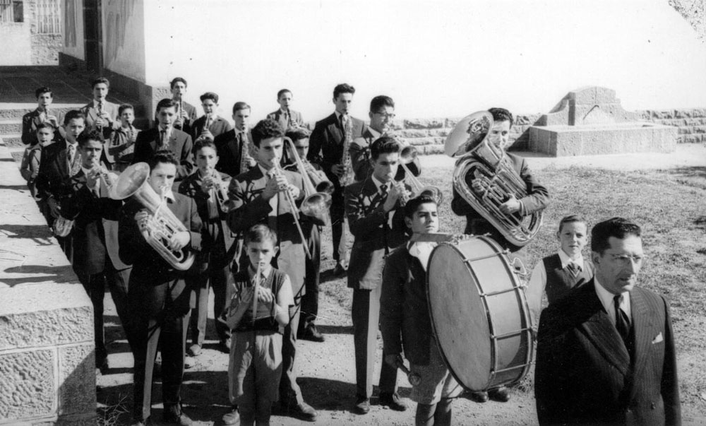 1955---Banda
