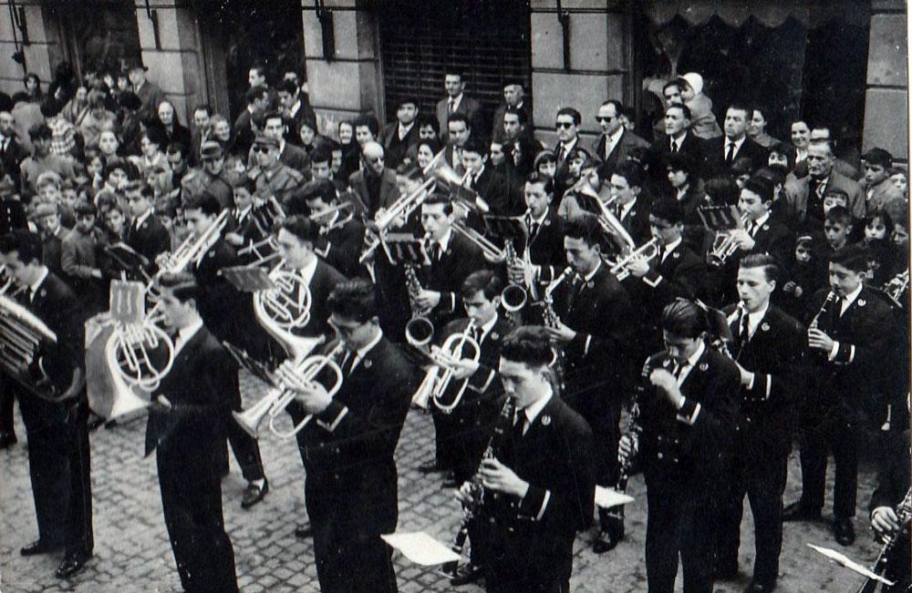 1960---Pasacalles-Ayuntamiento