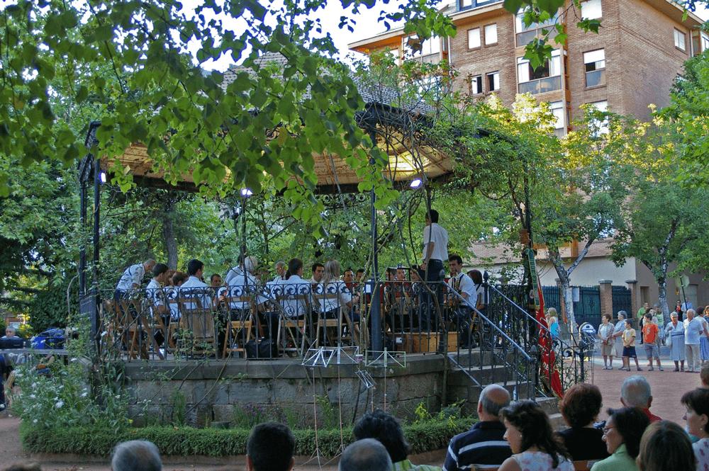 2007---festival-folclorico-concierto-quiosco-3