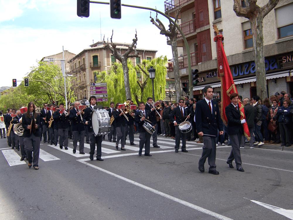 2010---viernes-de-mayo-desfile-1