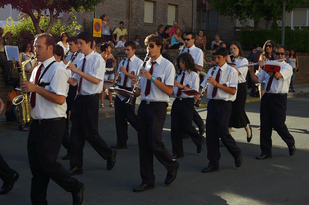 2011---desfile-festival-folclorico-3