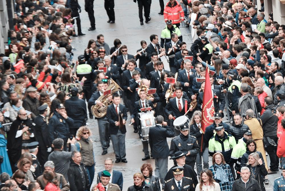 2019---viernes-mayo-desfile-1